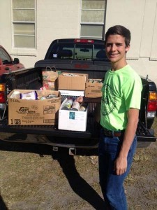 food pantry student volunteer3